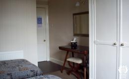 Twin Room (6)